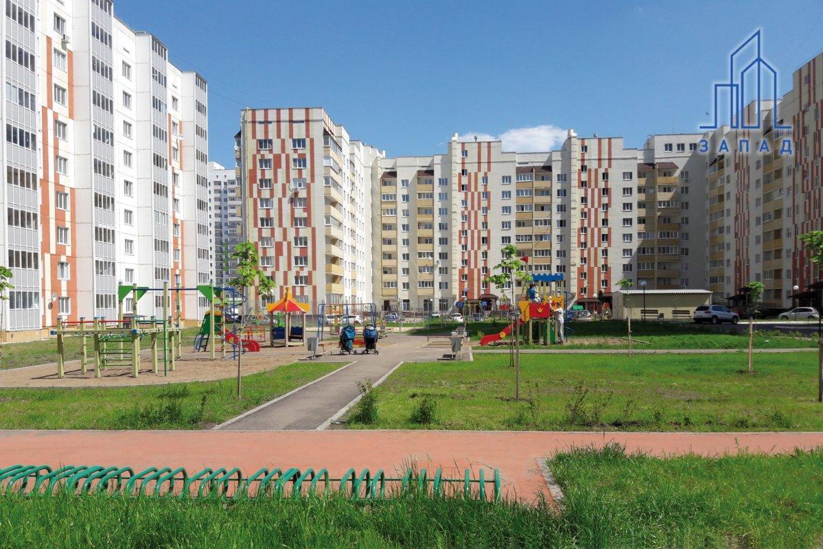 Благоустроенные дворы в микрорайоне Центральный-2