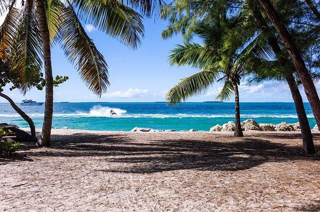 beach-1149146_640