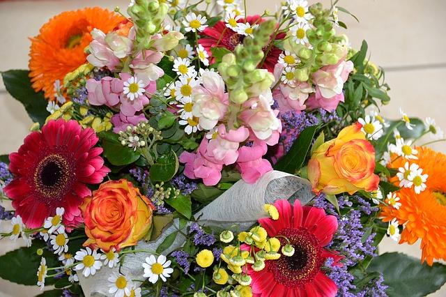 flowers-1288034_640