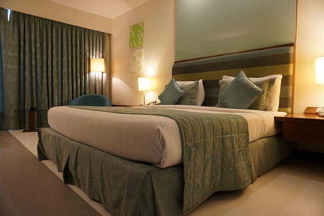 hotel-1979406_640